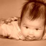 Волосы у новорожденных. Как ухаживать правильно?
