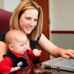 Как совместить материнство и работу?